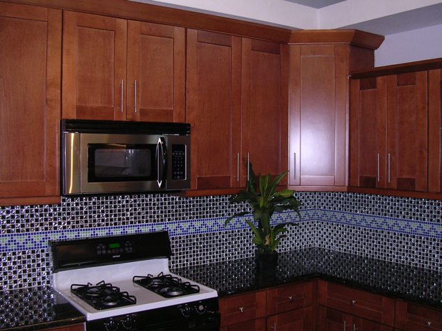 Maple Shaker Kitchen Cabinets spice maple shaker kitchen cabinets photo album