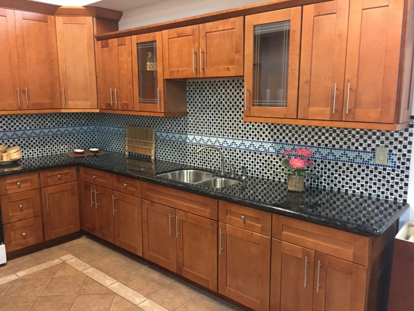 E Maple Shaker Kitchen Cabinets Photo Al