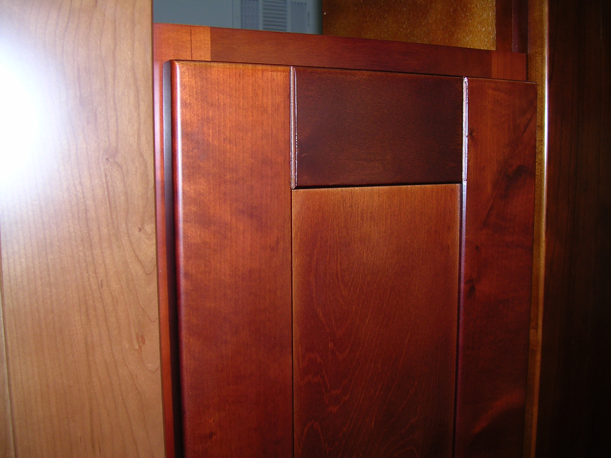 Cherry colored Birch Shaker Kitchen Cabinets Photo Album