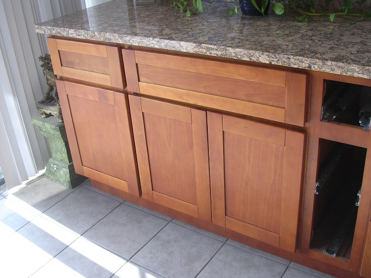Natural Cherry Shaker Kitchen Cabinets Photo Album Gallery Image