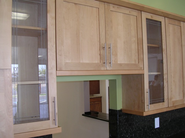 light honey-natural american maple shaker kitchen cabinets photo album