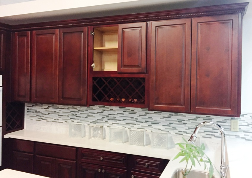 Cherry finish square maple kitchen cabinets for Cherry kitchen cabinets