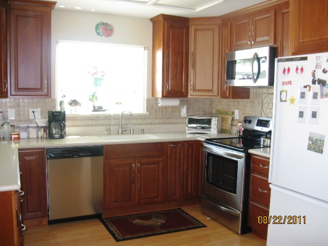 Natural Cherry Kitchen Cabinets Gallery Image
