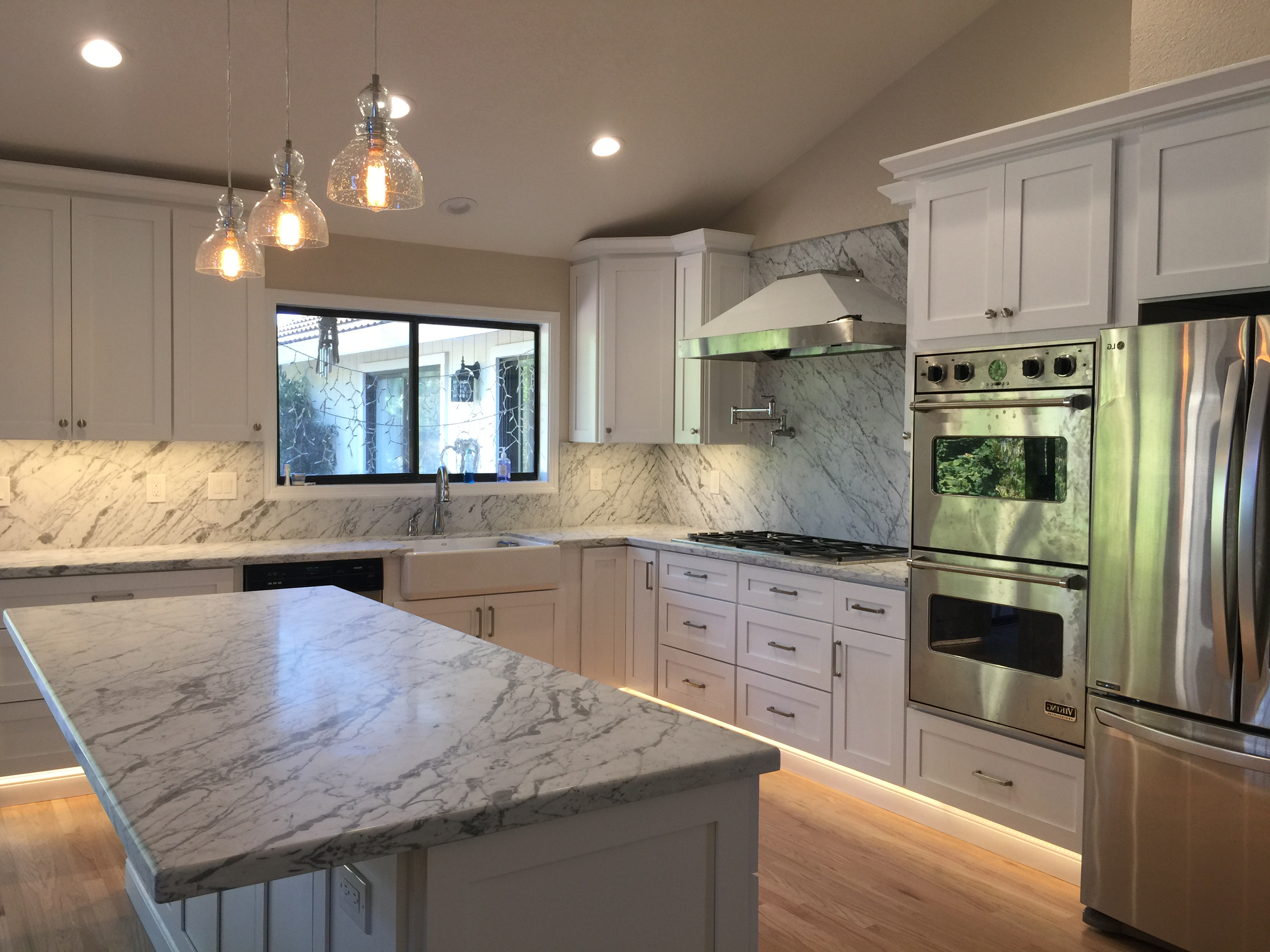 Soft White or Pure White Shaker Kitchen & Bath Cabinets