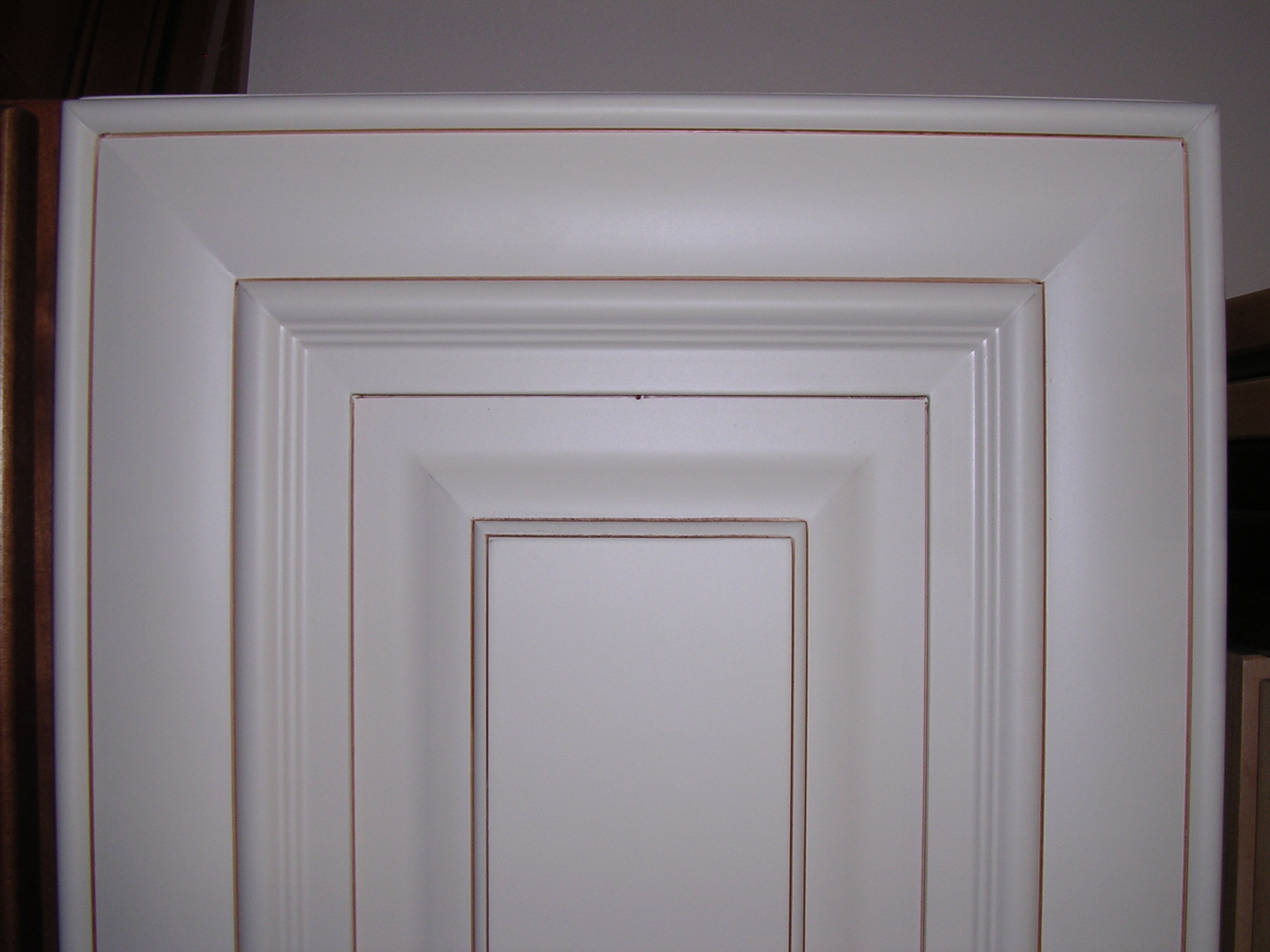 Creme Maple Glazed Raised Panel Kitchen Cabinets