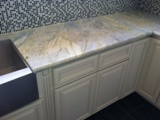 Antique White Maple Glazed Kitchen Cabinets gallery image