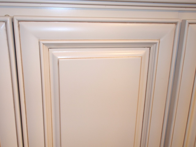 Antique white maple glazed kitchen cabinets for Antique glazed kitchen cabinets