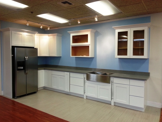 Premium White Maple Shaker Cabinets