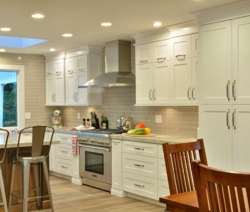 Snow White Maple Shaker Kitchen Cabinets
