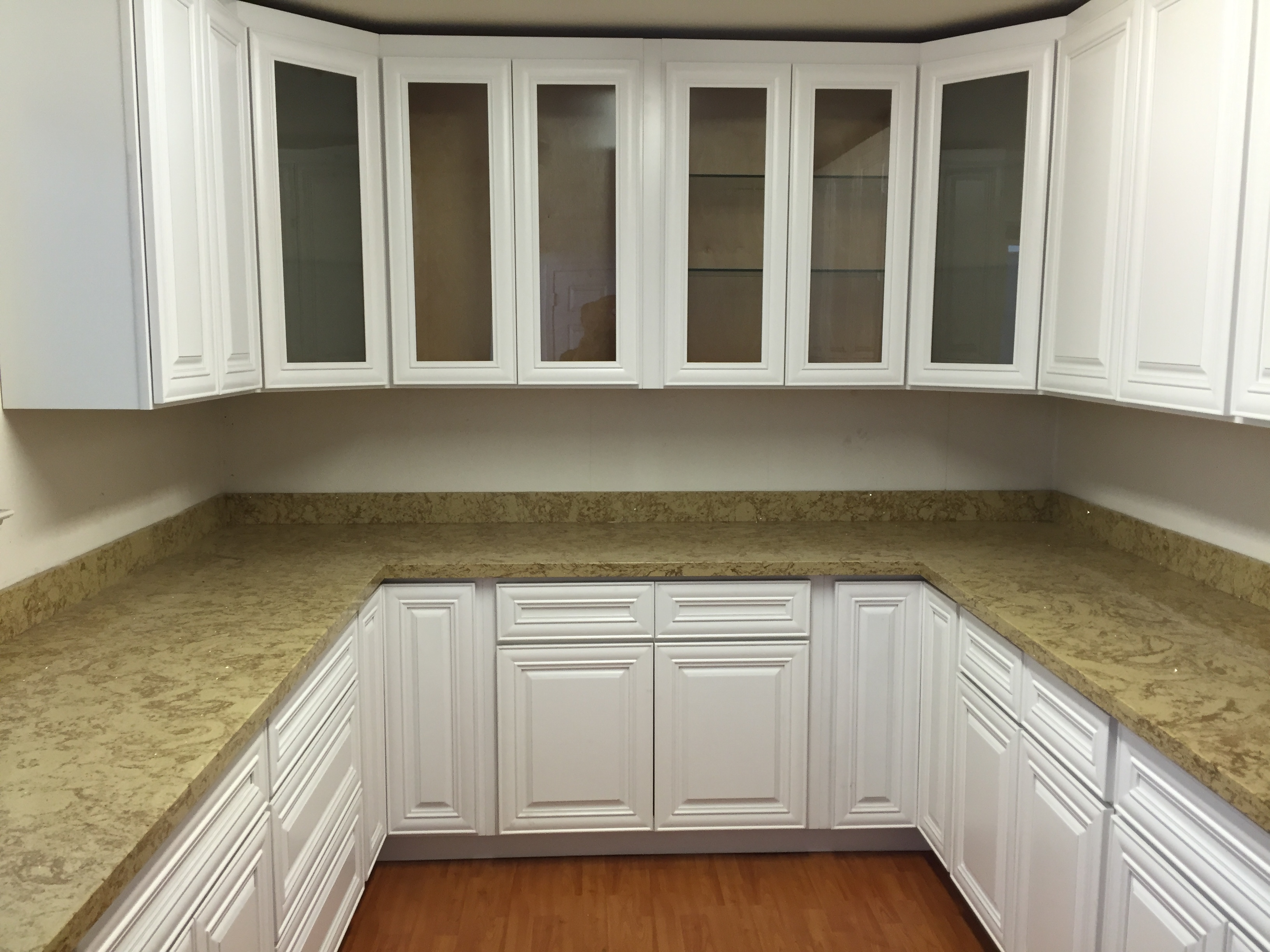white popular hardwood raised panel kitchen cabinets
