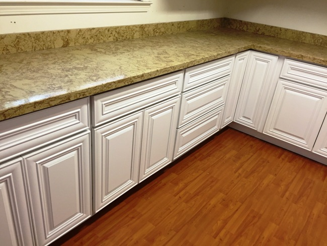 Pure White Popular Hardwood Raised Panel Kitchen Cabinets