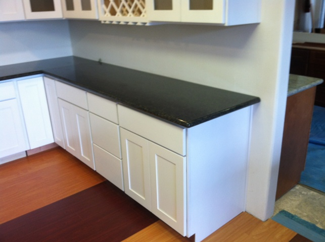 Pure White Shaker Panel Kitchen Cabinets