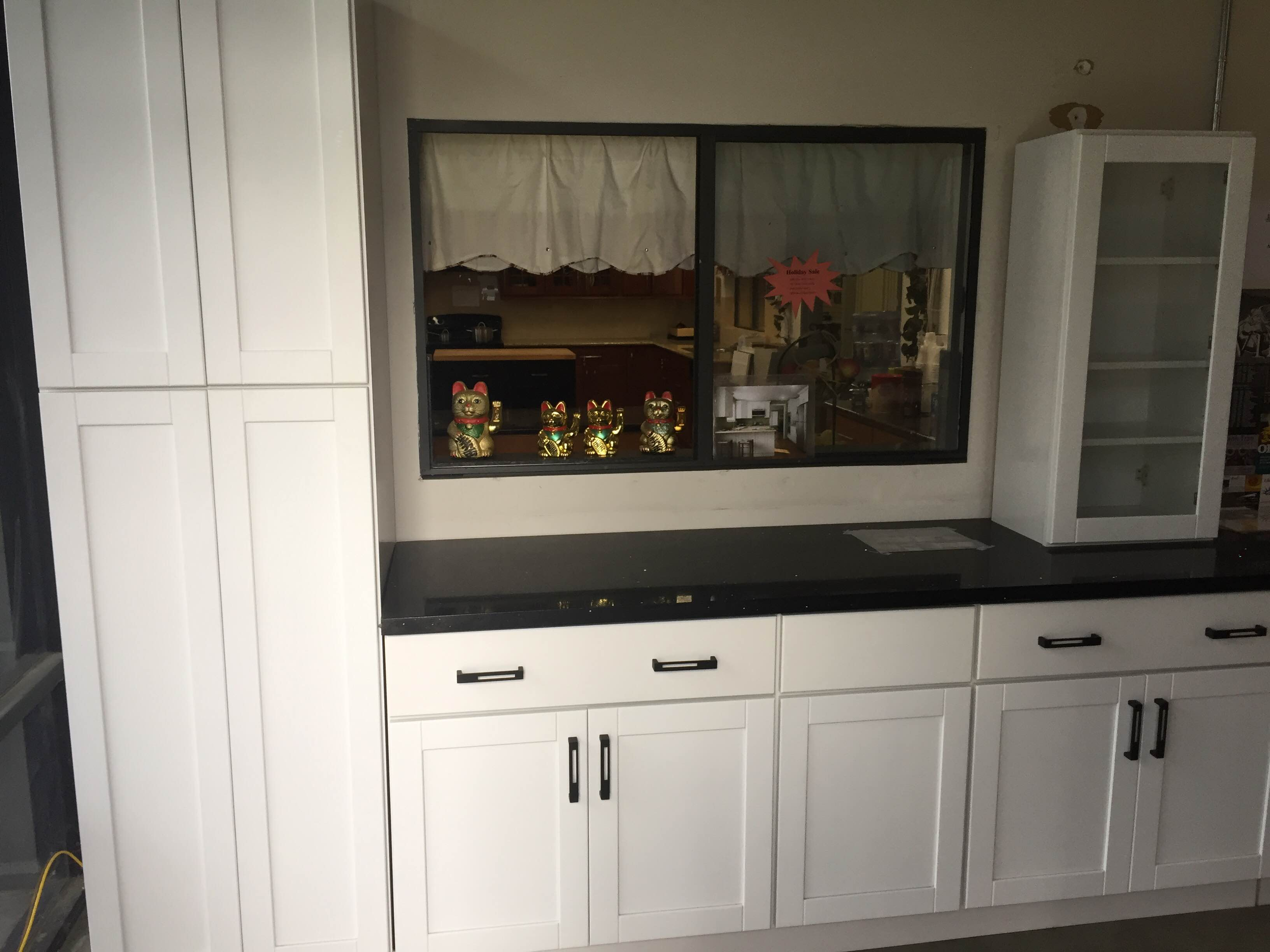 White MDF & Hardwood Shaker Kitchen Cabinets Photo Album