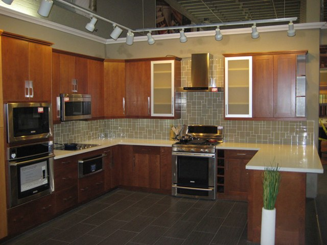 Natural Cherry Flat Panel Kitchen Cabinets