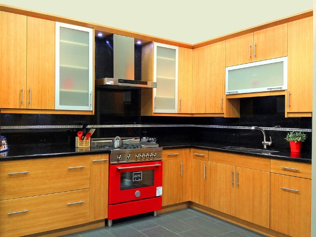 Bamboo flat panel kitchen cabinets for Bamboo kitchen cabinets cost