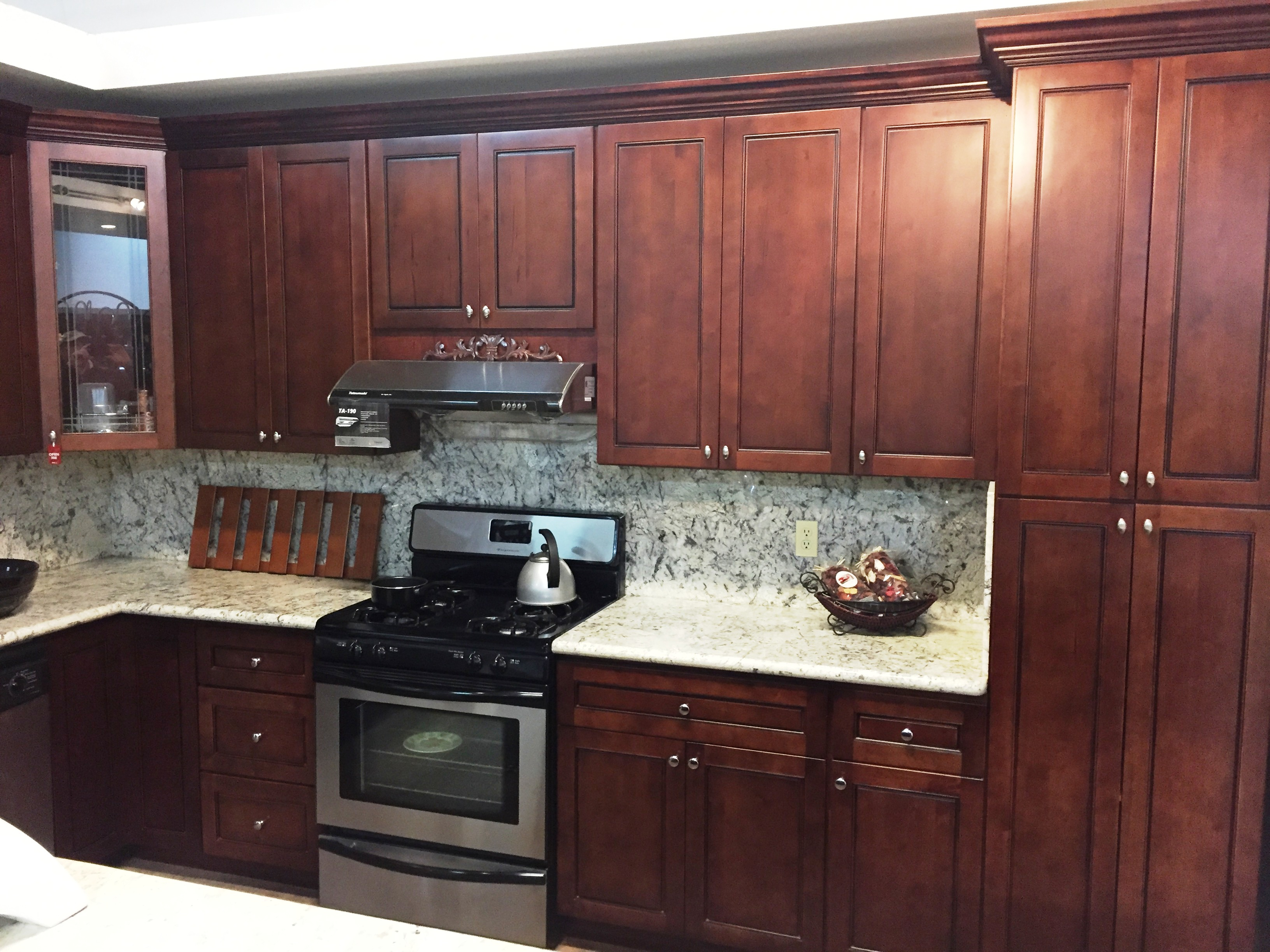 Walnut colored maple flat panel kitchen cabinets for 4 kitchen cabinet