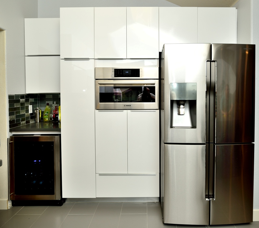 Gloss Kitchen Cabinet Doors: White High Gloss Painted Slab Frameless Kitchen Cabinets