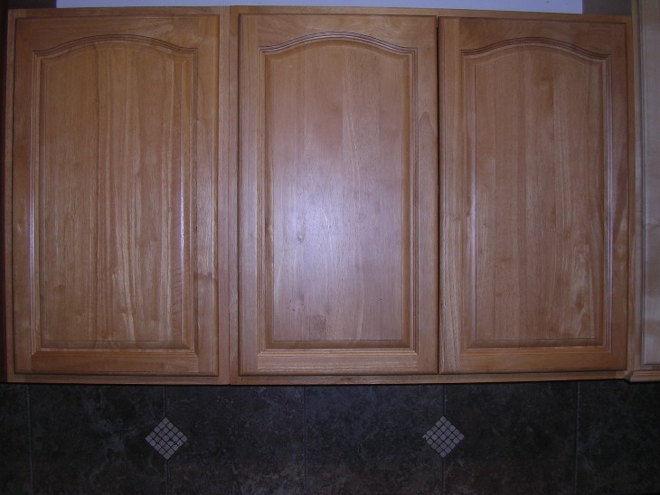 China Oak Cathedral Arched Doors Kitchen Cabinets Photo Al Gallery Image