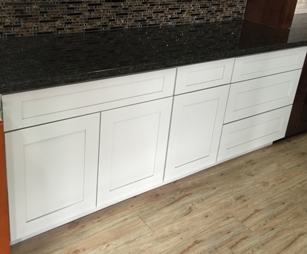 3G Farmington White Maple Shaker Cabinets,dovetail drawers with soft close slides