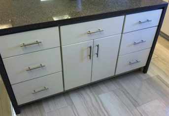 3P White Slab Modern Kitchen, dovetail drawers with soft close slides